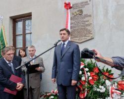 W Lublinie odsłonięto tablicę upamiętniającą katastrofę smoleńską