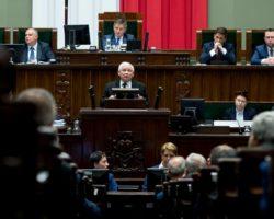 Premier Beata Szydło i prezes PiS Jarosław Kaczyński za ochroną życia