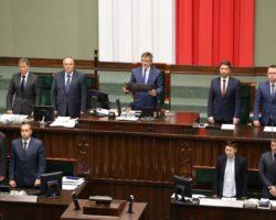Sejm RP wyraził wdzięczność nauczycielom polonijnym