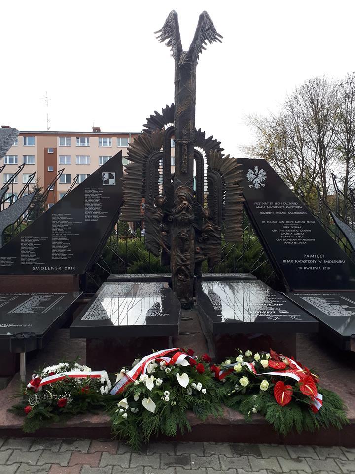 pomnik w parafii Chrystusa Króla w Jarosławiu 8