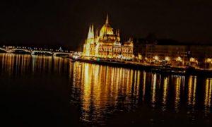 Węgierscy parlamentarzyści oddają cześć Polakom walczącym o wolność i niepodległość Ojczyzny. Ustawa z okazji stulecia niepodległości