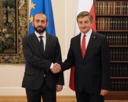 Spotkania bilateralne na początek dwudniowego międzynarodowego Szczytu Parlamentarnego w Sejmie i Senacie
