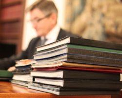 Marszałek Sejmu skierował do pierwszego czytania rządowy projekt ustawy   przyznający 500 zł osobom z niepełnosprawnościami