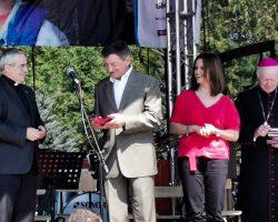 Marek Kuchciński: Razem z Caritasem pomagamy najbiedniejszym dzieciom